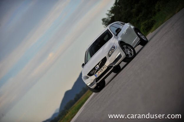 Volvo V60 Cross Country D3 Momentum