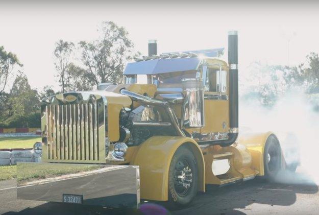 Tovornjak za kurjenje gum