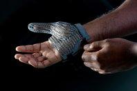 Več varnosti za delavce z novo 3D tiskano rokavico