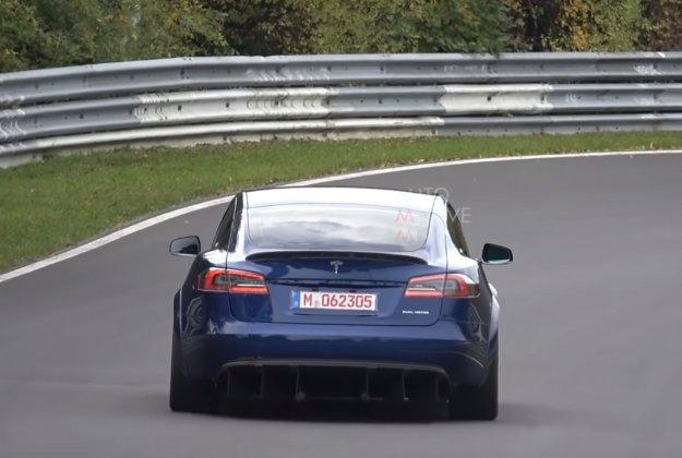 Musk obljublja dirkaško Teslo S