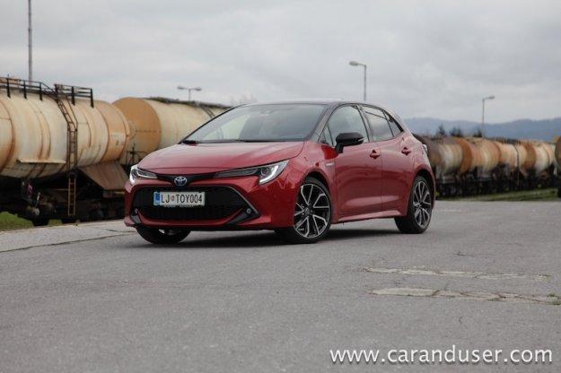 Toyota Corolla Hybrid HB 2.0 HSD 5D e-CVT Sport