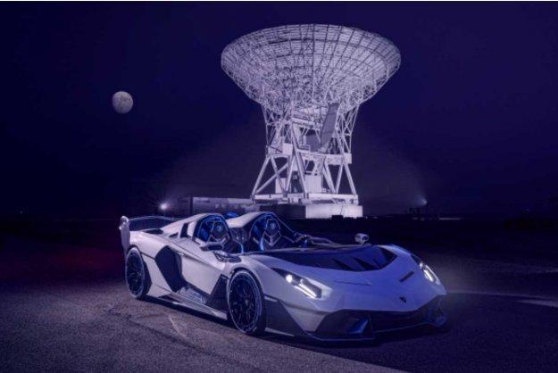 Lamborghini SC20 - unikatni brezstrešni dirkalnik