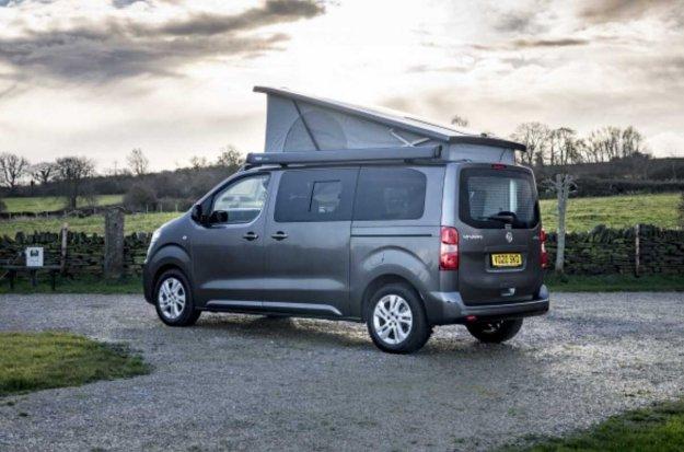 Opel razkriva elitnega po?itni�kega Vivara