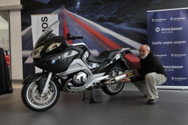 BMW R 1200 RT na pot z Rifletom