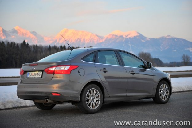Ford Focus 4v (sedan) 2.0 TDCi Titanium