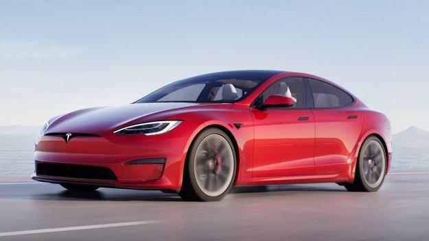 Tesla Model S in Model X z novo notranjostjo in vro?o izvedenko Plaid