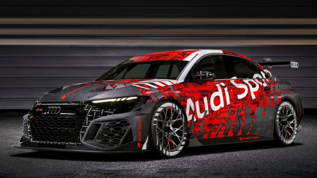 Audijev novi RS3 turni dirkalnik