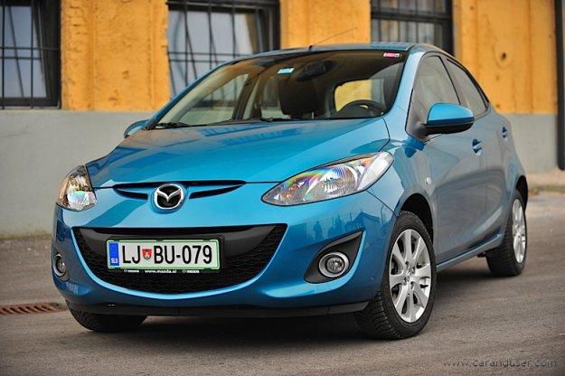 Prenovljena Mazda2 2011