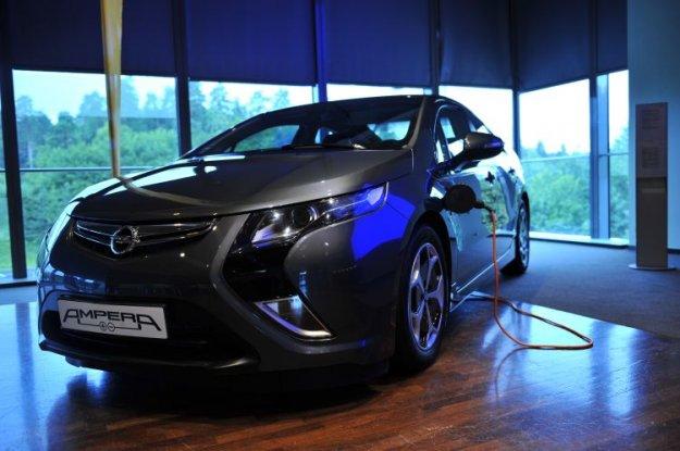 Slovenska predpremierna predstavitev nove Opel Ampere